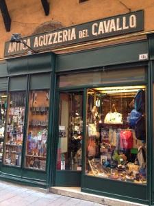Antica Aguzzeria Shop