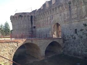 Moat & Castello di Piticciano