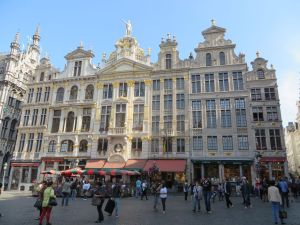 Daytime crowd at Grand Place