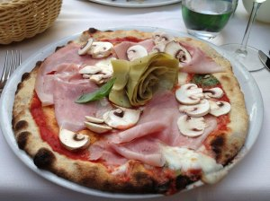 Wood-fired pizza in Vicenza